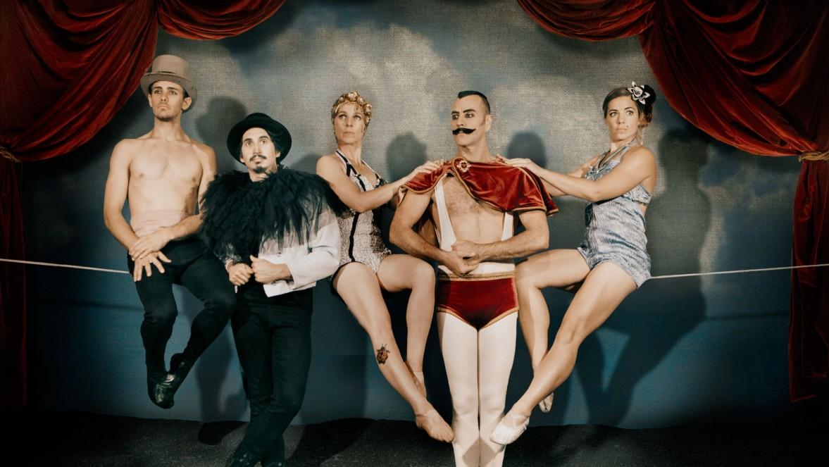 circus new year